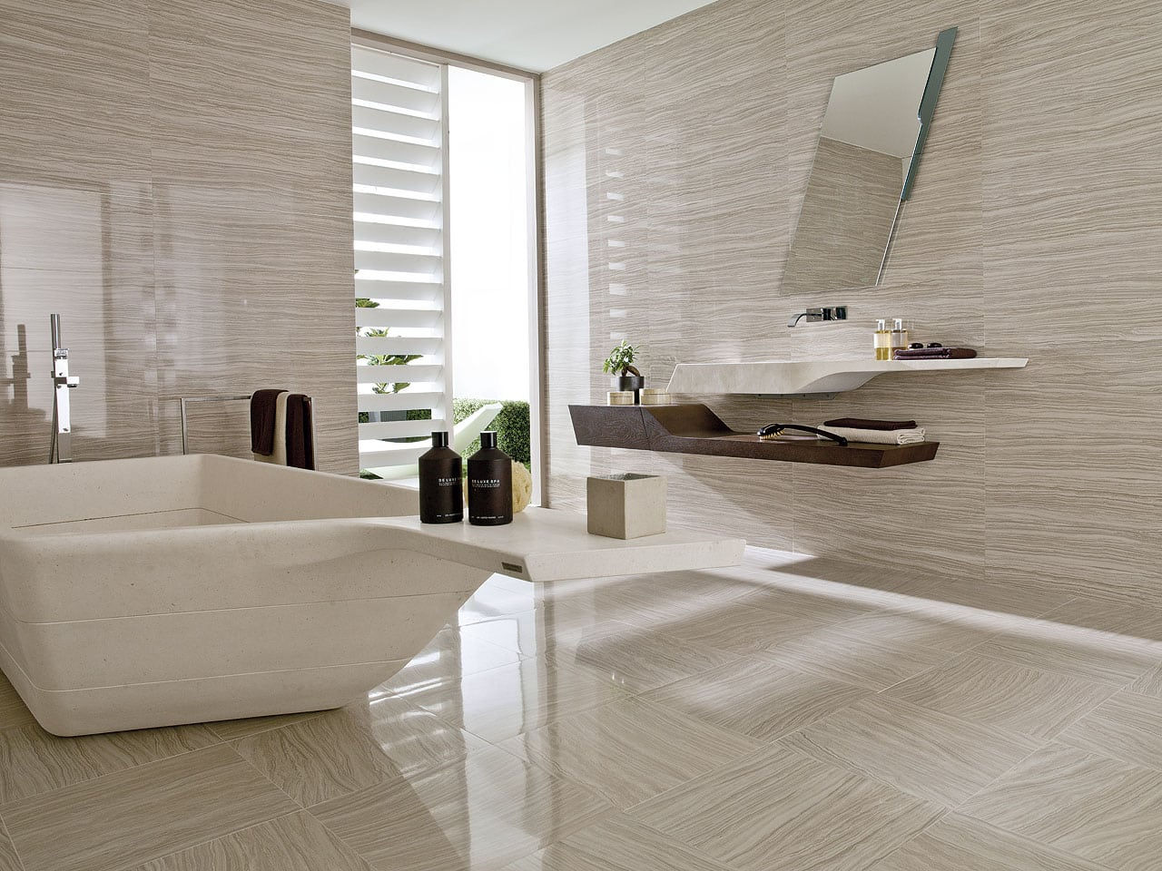 Ceramic tiles crestwood of lymington for Carrelage porcelanosa catalogue